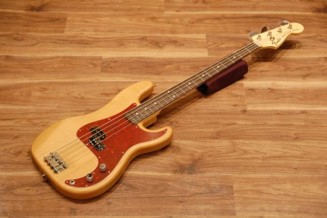 【送料無料】Fender フェンダー TOMOMI PRECISION BASS SCANDAL Signature プレベ/スキャンダル/トモミ/アルダーボディ/日本製【正規品】※展示入替のため1本限り特価♪
