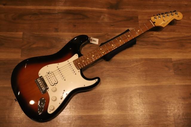 【送料無料】Fender PLAYER STRATOCASTER® HSS 3-Color Sunburst Pau Ferro / フェンダー プレイヤー ストラト 【即納可能♪】