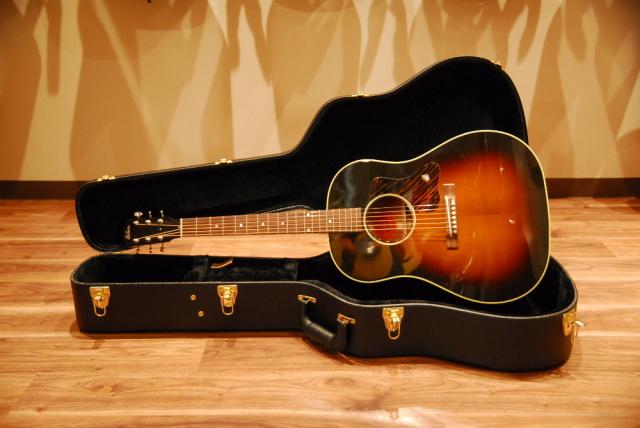 【送料無料】【セール特価】Gibson ギブソン J-35 Vintage Collectors Edition With Thermally Aged Adirondack Red-Spruce Top アコースティックギター/限定モデル【返品・交換不可】