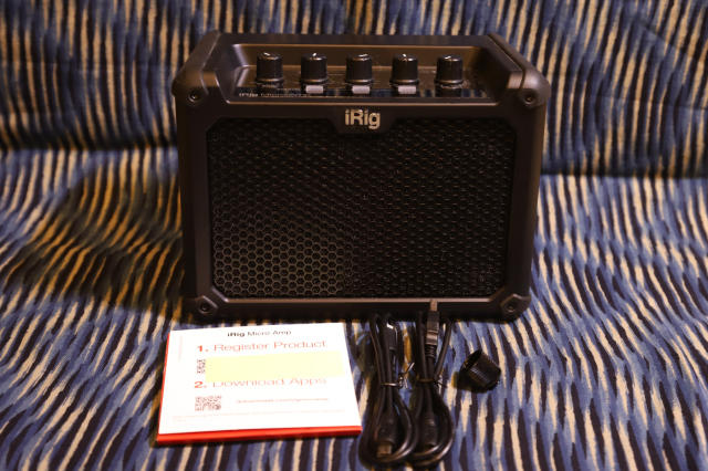 【中古】IK Multimedia IRIG MICRO AMP すりキズ等はございますが、目立つキズはございません。電池以外の付属品は揃っています。