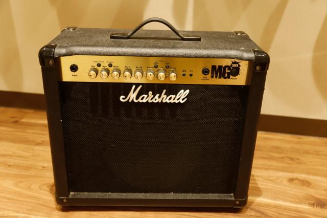 【USED / 中古品】Marshall MG30FX + PEDL90008  ≪マーシャル アンプ≫【旧モデル】