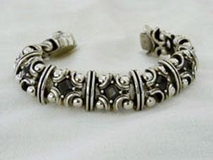 Mystic Bracelet With Stone