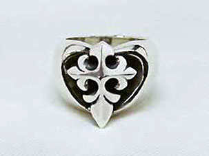 Heart Crusader Ring