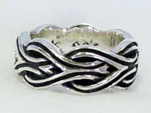 SK Celtic Band Ring