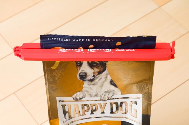 HAPPY DOG & CAT ロゴ入りクリップ・オン
