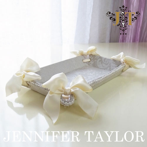 ジェニファーテイラー Jennifer Taylor トレイ(S)・Haruno-Gray