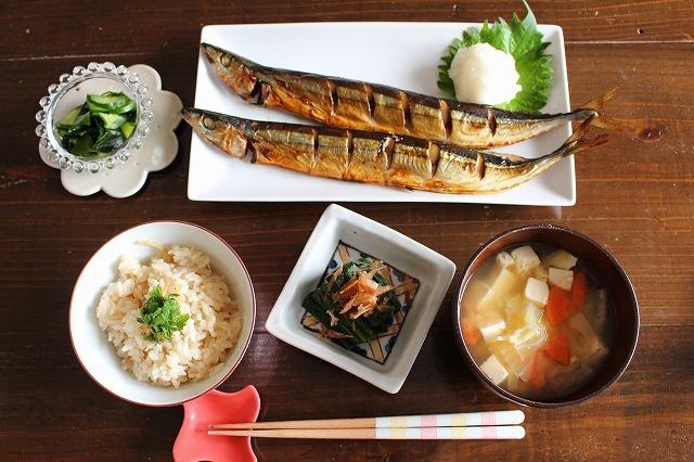 秋刀魚がある食卓のイメージ