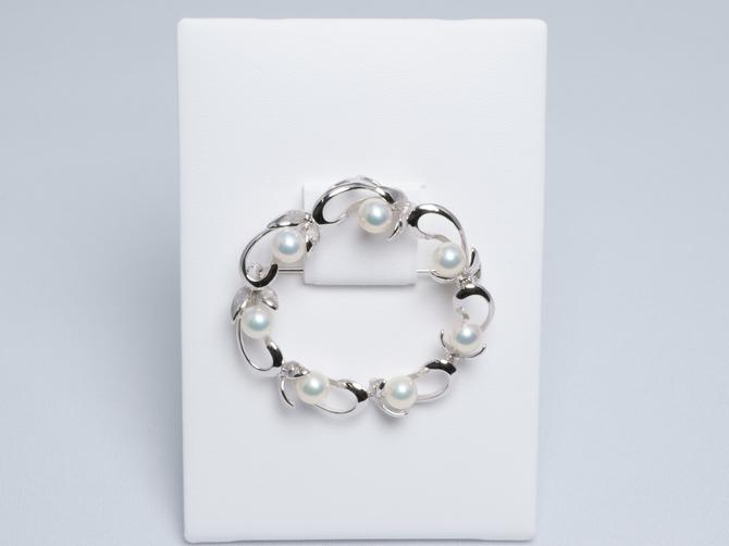 10223134-湖水真珠円環ブローチ