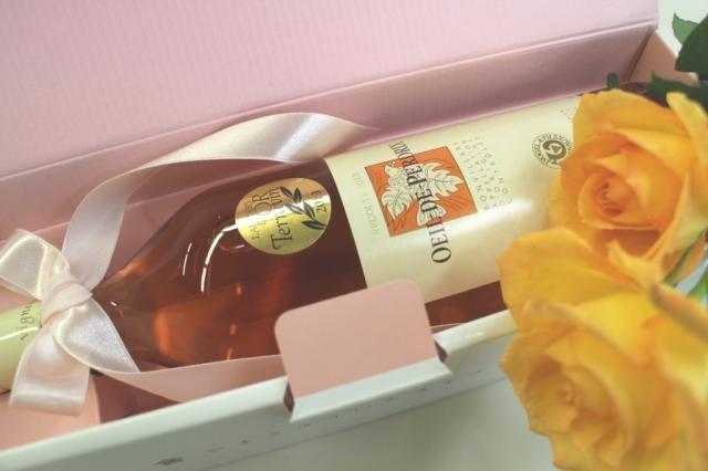 【バラのイラスト・ギフトボックス入り】ウイユ・ド・ペルドリ2015 750ml スイスロゼワイン ピノノアール100%、ヌシャテル湖畔のブドウで造られました、AOC Bonvillars