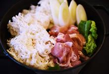 さんごヤマブシタケと鶏肉の鍋