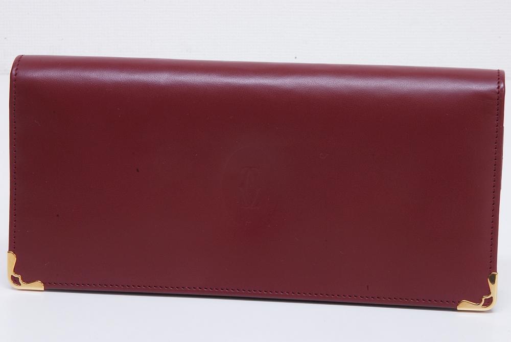 カルティエ マスト ドゥ カルティエ 二つ折りマチ付き長財布 ボルドー L3000466【未使用】