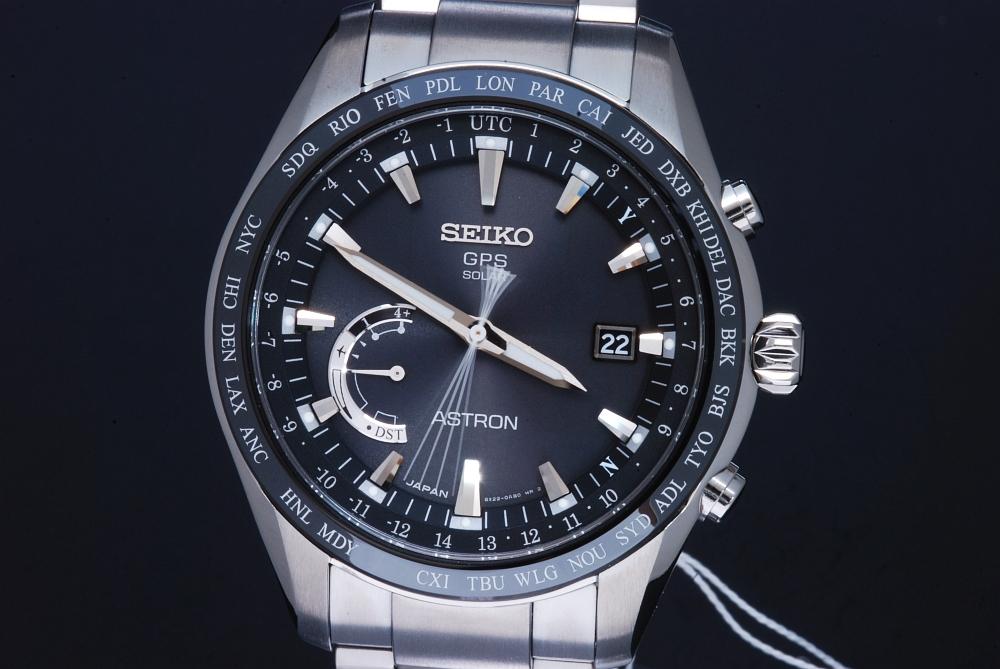 セイコー アストロン ワールドタイム SBXB085 GPSソーラー電波時計 メンズ 純チタン/セラミック 8X22 黒文字盤【正規・新品】