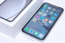 アップル ソフトバンク アイフォンXR iPhone XR 64GB ホワイト MT032J/A【未使用】