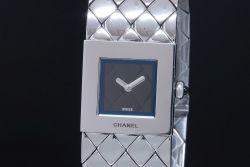 シャネル CHANEL H0009 マトラッセ ウォッチ レディース SS クォーツ 黒文字盤