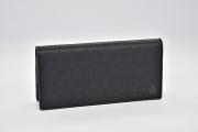 ダンヒル ウィンザー PVC レザー 二つ折り長財布 ブラック L2PA10A【新品同様】