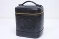 シャネル キャビアスキン バニティバッグ 縦型 ハンドバッグ 化粧ポーチ ブラック A01998【正規品】