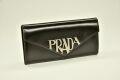 プラダ PRADAロゴ レザー 二つ折り長財布 パスケース付き ブラック 1MH037