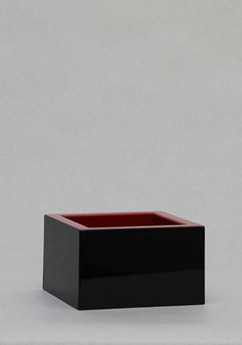 塗枡 8勺 (外黒/内朱)