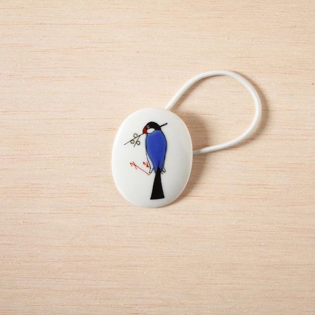 クタニシール 小鳥のブローチ/ブンチョウ