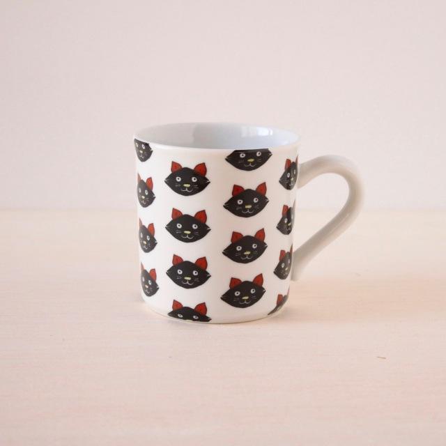 クタニシール マグカップ 黒猫整列