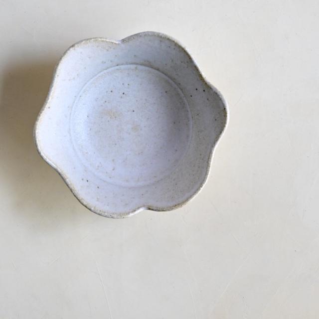 たくまポタリー 4寸皿 白雲