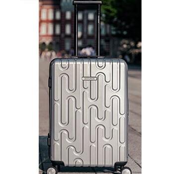 センチュリオン スーツケース ジッパータイプ G-HOU 中?