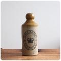 イギリス アンティーク ビアボトル/陶器製ビールボトル/花瓶/一輪挿し/雑貨【形やフロントロゴが可愛い古いボトル】S-334