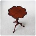イギリス アンティーク調家具 木製ワインテーブル/サイドテーブル/花台【四つ葉のクローバーの様な天板】Y-456