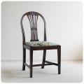イギリス アンティーク ダイニングチェア/ファブリックシート/装飾あり/英国製【丈夫なつくりのマホガニー椅子】Y-838