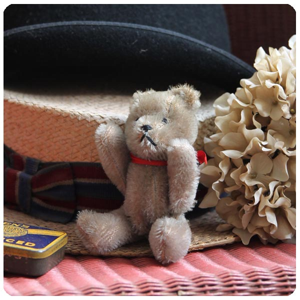 イギリス アンティーク ミニテディベア/ぬいぐるみ/蚤の市/全長約15.0cm/コレクター品【表情がキュートなクマさん】Y-698