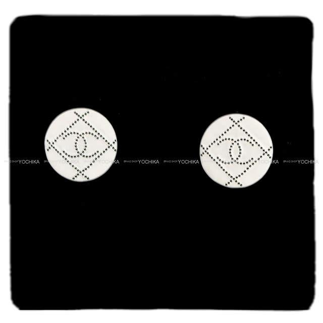 CHANEL シャネル マトラッセ ドット ココマーク サークル ピアス白(ホワイト)/黒(ブラック) ゴールド金具 AB1068 新品