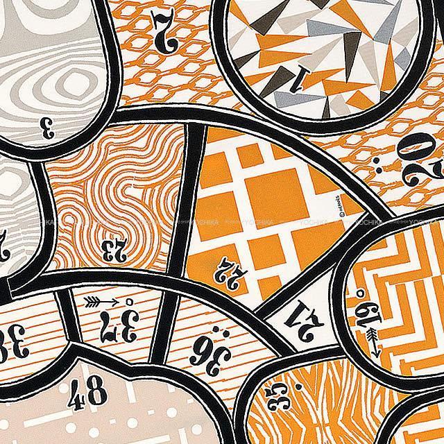 "HERMES エルメス スカーフ カレ90 ""シルク・ゲーム"" 白(ホワイト)X黒(ブラック)Xキャメル シルク100% 新品"