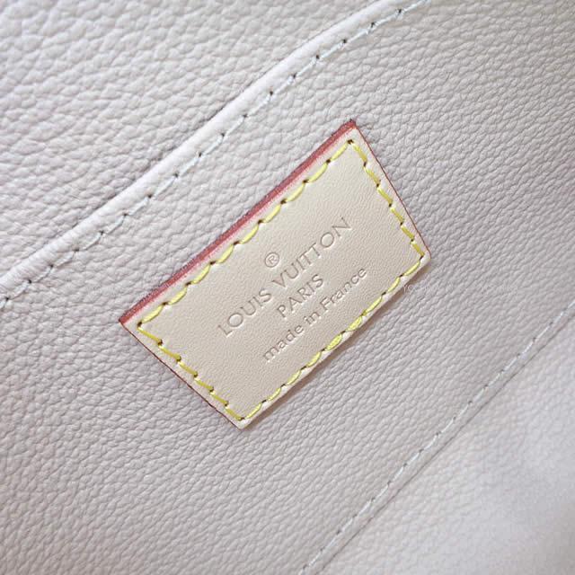 LOUIS VUITTON ルイ・ヴィトン ポシェット・コスメティック 化粧ポーチ モノグラム・キャンバス ゴールド金具