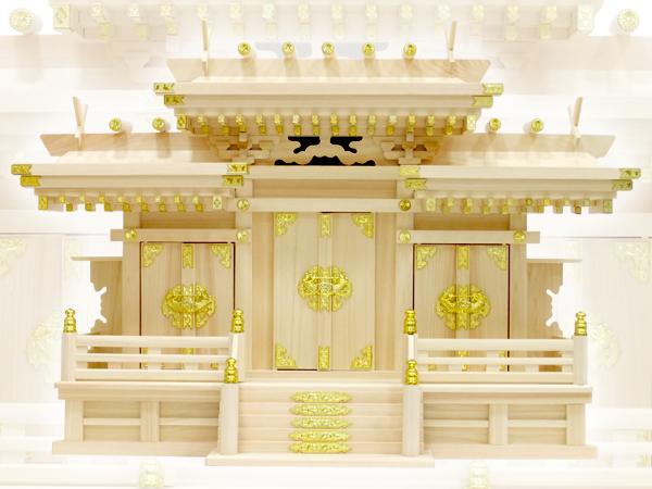 送料無料!大きなお札も入る豪華な神棚【マス組付屋根違い三社・大(ひのき)】