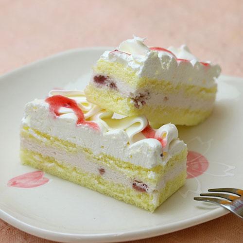 フリーカットケーキ 苺ムースケーキ1