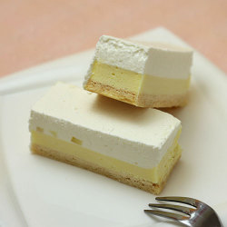 フリーカットケーキ 塩レモンチーズケーキ1