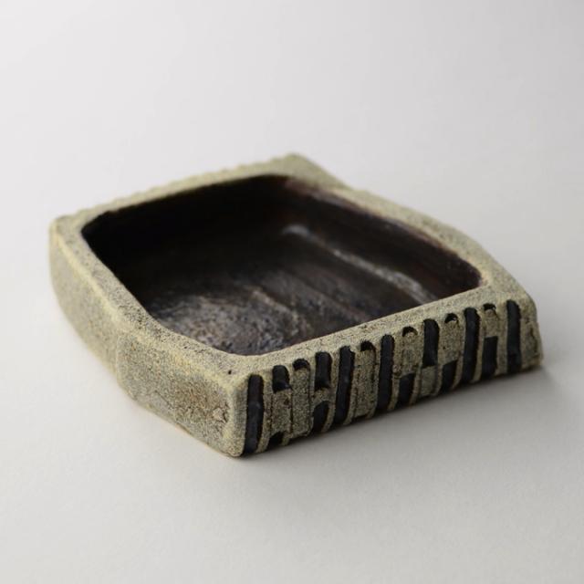 昇陽窯_鎬貼り付 角小皿