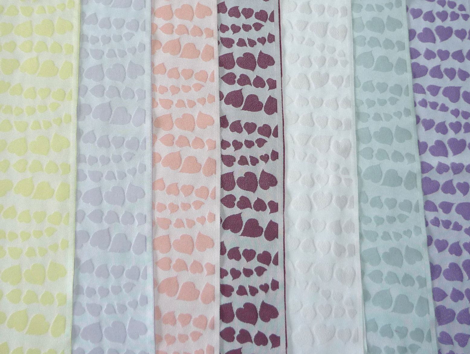 ハート花びら☆華やかな半襟【正規品】 絹交織半衿 絹40%使用