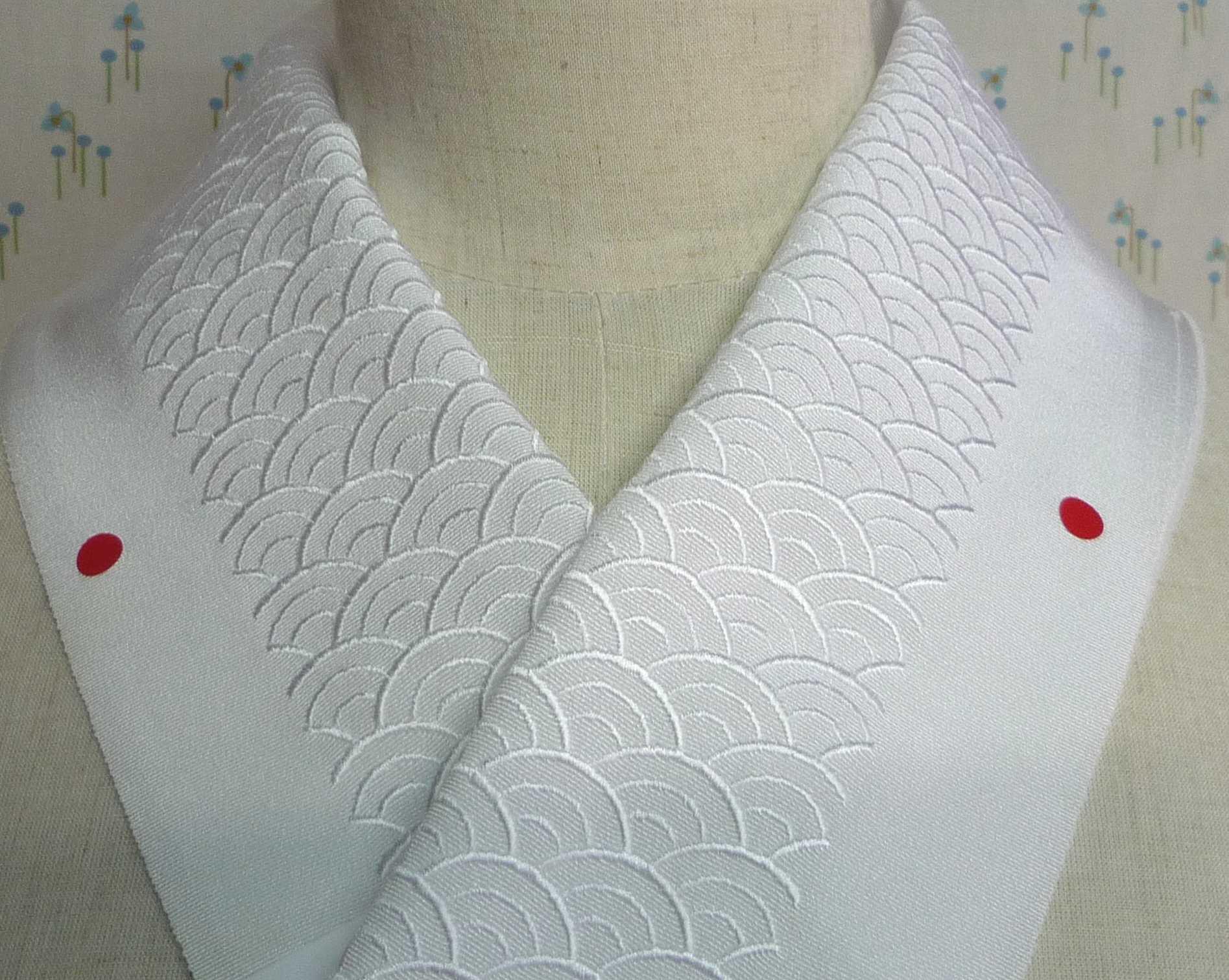 青海波 刺繍半衿【アウトレットにつき半額】礼装 訪問着 色無地に
