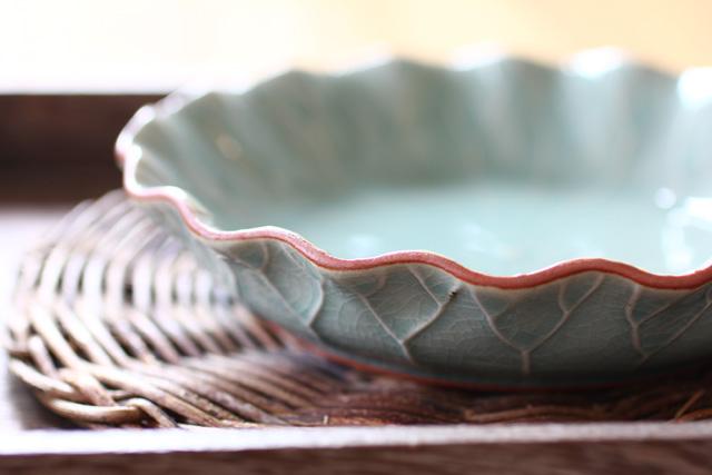 ロータス フリル皿 (17cm)