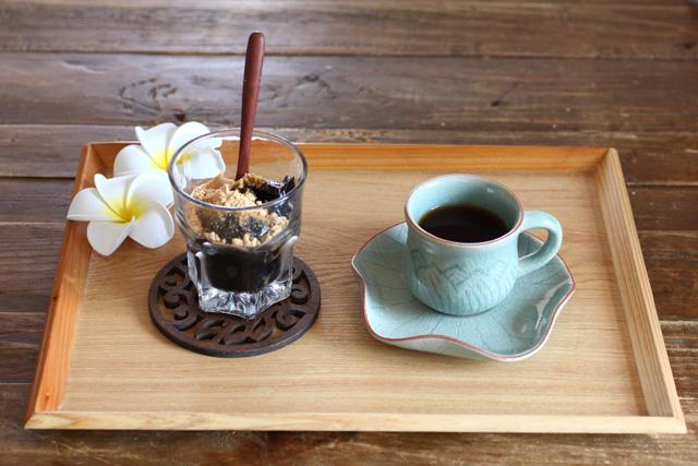 デミタスカップ&ソーサー 【ロータス】