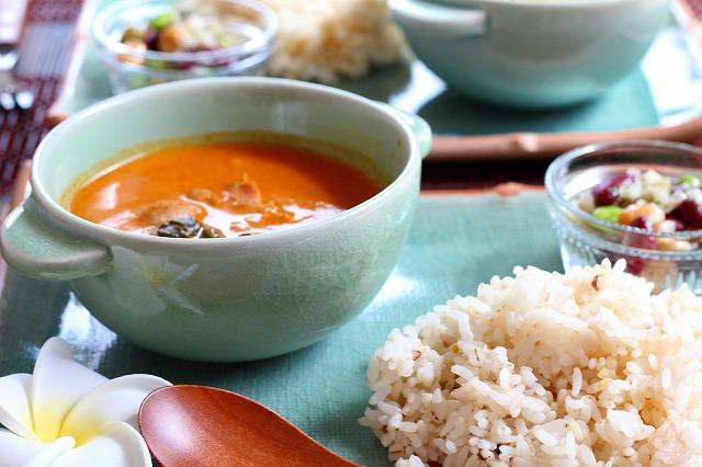 ぽってり可愛いスープカップ プレーン(12cm) ナチュラルグリーン