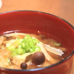 京のゆば味噌汁