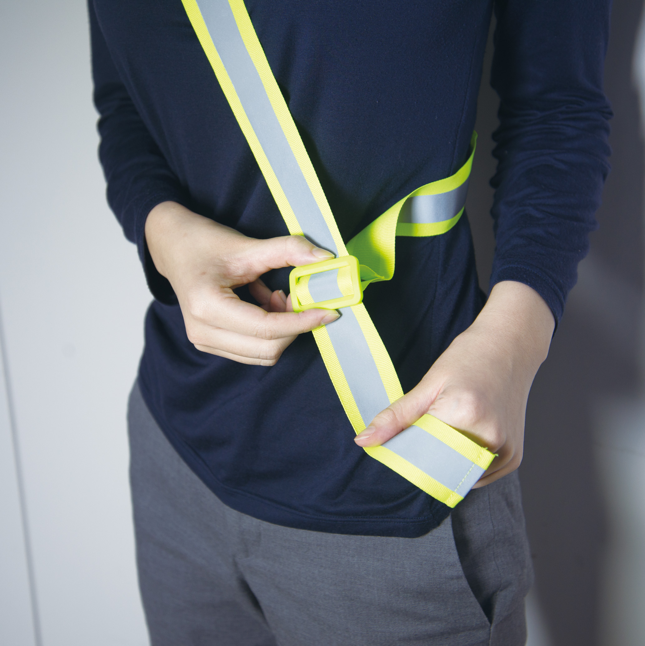 【100本セット】高輝度反射 バックル付 反射タスキ 蛍光黄色 送料無料