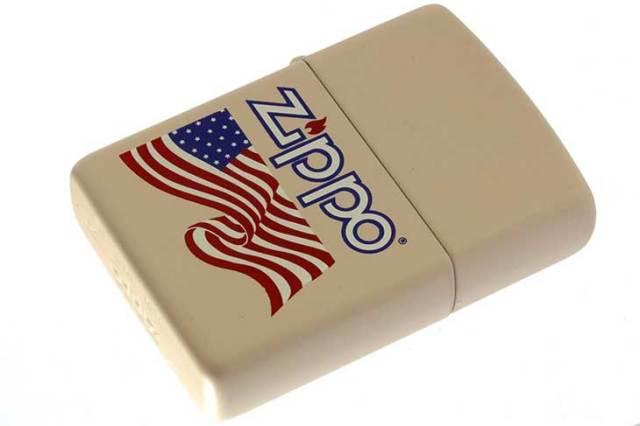 Zippo ジッポー 絶版・1995年製造 クリームマットベース アメリカ国旗 FLAG