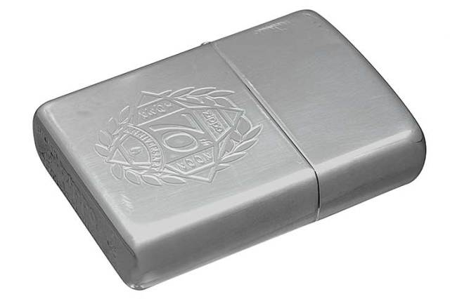 Zippo ジッポー 絶版・2002年製造 70th Anniversary Silver Plate SP-02